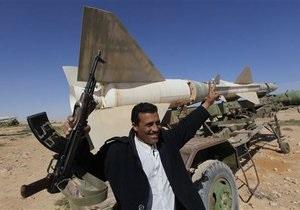Противники Каддафи готовят наступление на Триполи