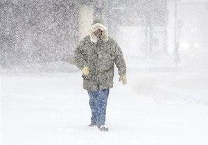 Непогода в Украине - снегопад - Из-за непогоды в 13 областях Украины обесточен 381 населенный пункт