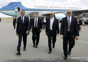 Трех охранников Обамы увольняют из-за проституток