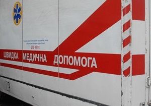 В Луганске водитель въехал в толпу: погибла девушка