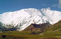 Авария в Таджикистане: погибли 4 человека