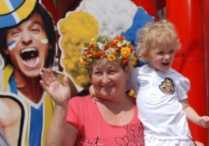 В первый день Евро-2012 фан-зону в Киеве посетили 20 тысяч болельщиков