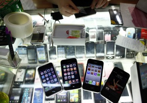 В Китае мужчина впал в кому, получив удар током от зарядки к iPhone