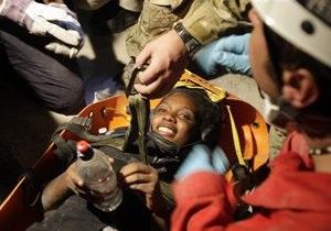 На Гаити спасена женщина, которая провела под завалами неделю