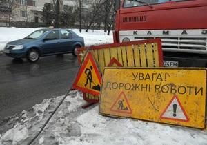 Укравтодор доложил Азарову о скором завершении ремонта основных дорог