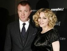 Мадонна выходит замуж за своего мужа