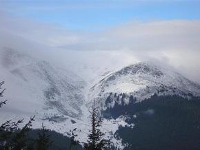 В Крыму сохраняется угроза схождения снежных лавин