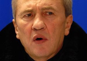 Черновецкий предлагает ВР передать общежития в коммунальную собственность