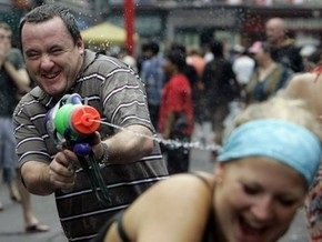 Бельгийская полиция запретила перестрелку из водяных пистолетов