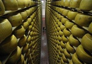 Россия на неделе введет запрет на ввоз сыра некоторых украинских производителей