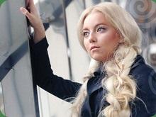 Участница Фабрики зірок застраховала свои волосы