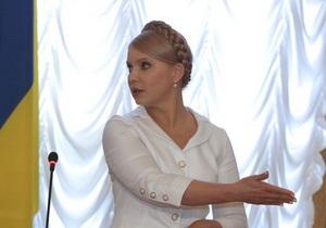 Тимошенко намекнула, что Янукович и Азаров должны  наложить на себя руки от позора
