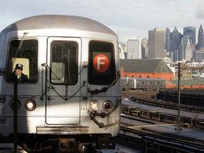 В Нью-Йорке скоростной поезд врезался в стену