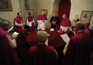 Сегодня в Ватикане кардиналы со всего мира обсудят избрание нового папы