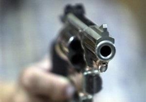 50-летний мужчина угрожал револьвером, чтобы попасть в тюрьму