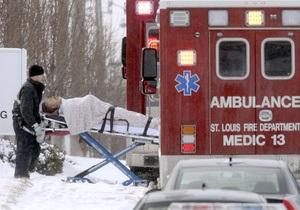 Жертвами мужчины, открывшего стрельбу на заводе в Сент-Луисе, стали три человека