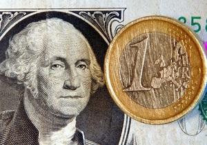 Евро резко подешевел на межбанке
