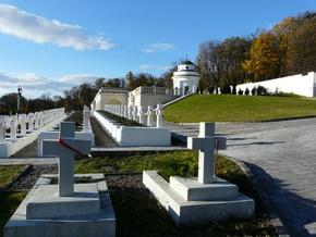 Жена Качиньского посетит захоронения польских и украинских воинов во Львове