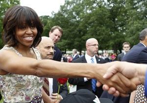 На банкете демократов в США речь Мишель Обамы сорвала лесбиянка