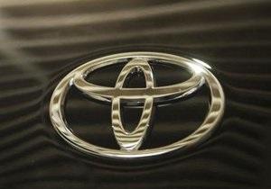 Toyota сильно урезала планы продажи электромобилей