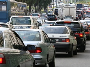 В Киеве ограничили движение по восьми улицам и Южному мосту