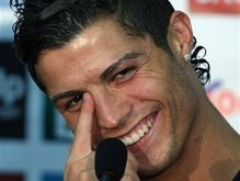 Манчестер Юнайтед угрожает Реалу жалобой в ФИФА