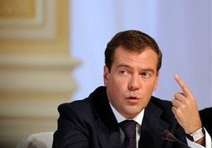 Назвав  козлами  следователей, обыскавших квартиру режиссера фильма об оппозиции, Медведев сделал пиар-ход - немецкая пресса