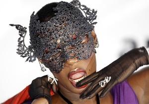 Фотогалерея: Звезды против СПИДа. В Каннах прошла благотворительная VIP-вечеринка