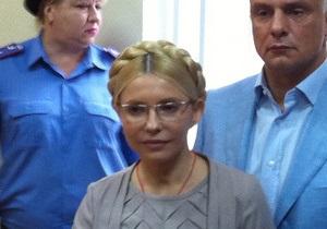 Тимошенко назвала Януковича  дважды осужденным буйным преступником