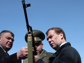 Медведев внес в Госдуму законопроект об использовании армии за пределами России