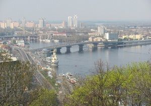 Восемь киевских мостов украсят декоративным освещением