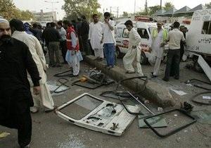 В Пакистане в результате теракта погибли 16 человек и пострадали 70, в том числе школьники