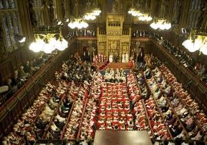 Британских депутатов обязали вернуть в казну миллион фунтов стерлингов