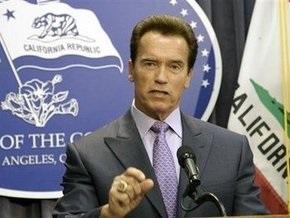 Шварценеггер объявил в Калифорнии чрезвычайное финансовое положение