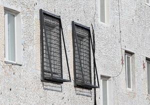 На окнах больницы, куда хотят перевести Тимошенко, уже установили решетки