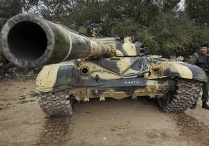 Армейская база Каддафи возле Триполи захвачена повстанцами