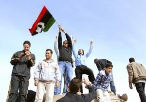 Евросоюз намерен установить контакты с противниками Каддафи