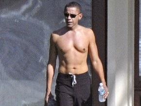 Барак Обама показал оголенный торс