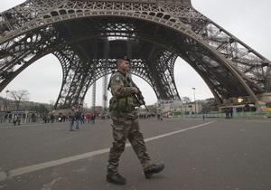 Угроза взрыва на Эйфелевой башне оказалась ложной