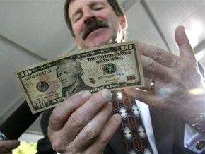 Доллар на межбанке опять вырос на 10 копеек
