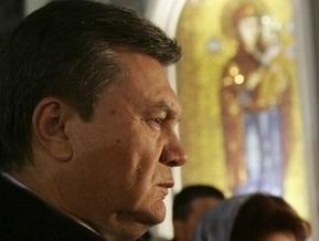 Янукович помолился в Киево-Печерской лавре