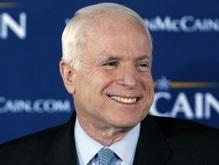 Демократы требуют расследовать источник финансирования Маккейна