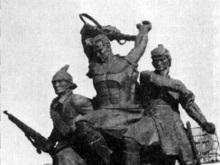 Памятнику в Полтавской области оторвали голову