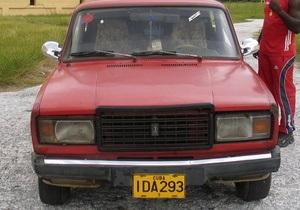За полгода в России продали почти 300 тысяч автомобилей Lada