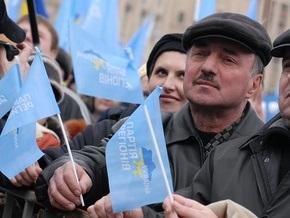 Колонны сторонников ПР движутся к Майдану Незалежности