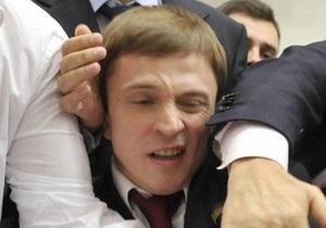 В Киевсовете произошла потасовка между Довгим и Куликовым