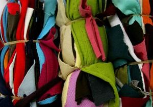 Киевские таможенники задержали контрабанду одежды из Китая