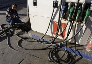 Греческие военные помогут обеспечить страну бензином