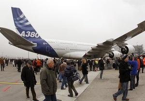 Чтобы посмотреть на самый большой в мире самолет, в аэропорту Цюриха собралось 20 тысяч человек