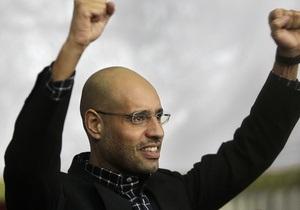 СМИ: Каддафи тайно предлагает Западу принять своего сына в качестве ливийского лидера